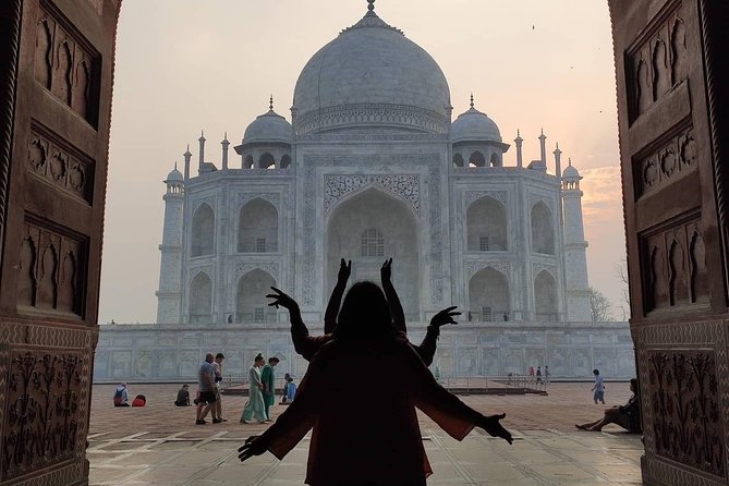 Tour to Taj Mahal with temples,mosques & other excursions in Agra (private car