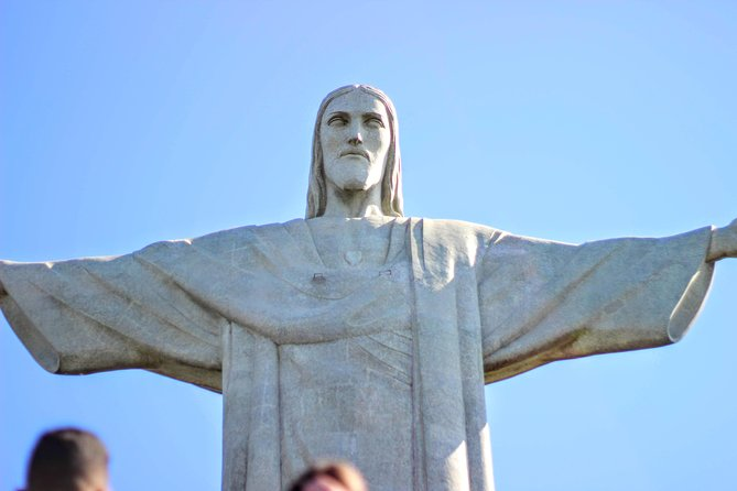 Excursion: Cristo Redentor, Tijuca National Forest and City Tour in 7 hours
