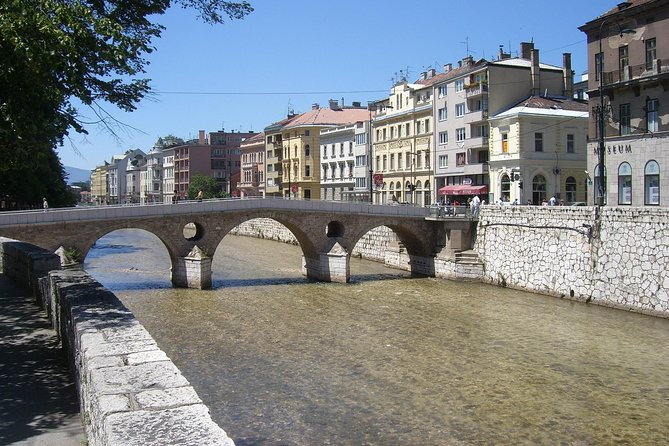 2-Hour Romeo and Juliet Bridge Guided Walking Tour in Sarajevo