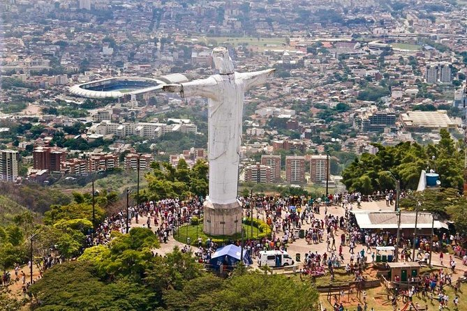 Tour of the city of Cali with a visit to Cristo Rey + Borojo Juice, Chontaduro