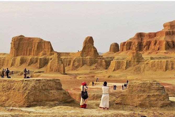 Dunhuang Private Day Tour: Yumen Pass, Han Great Wall Ruins and Yadan Ghost City