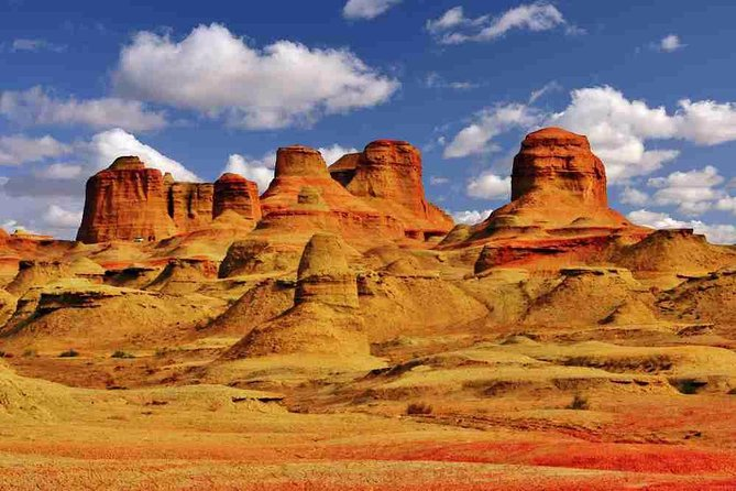Dunhuang Private Tour: Western Thousand Buddha Caves and Yadan Geological Park