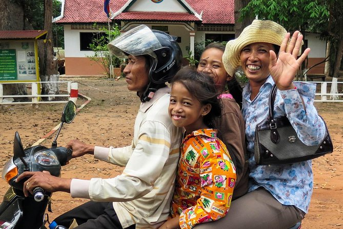 2-Hour Village Walking Tour: In-depth Discovery of Cambodian Rural Life