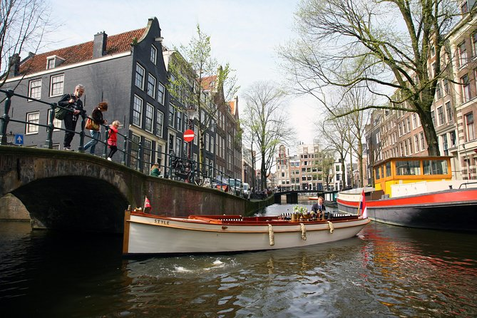 Semi-Private 2-hour Canal Cruise on classic sloop Style