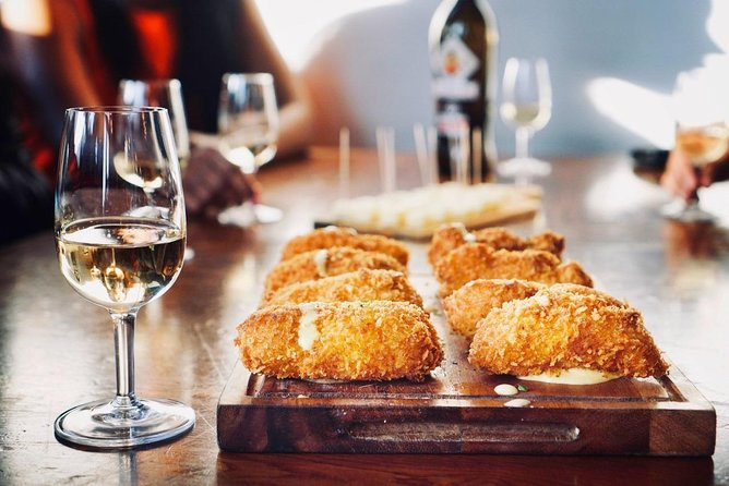 Food and wine tour with a local in Notting Hill