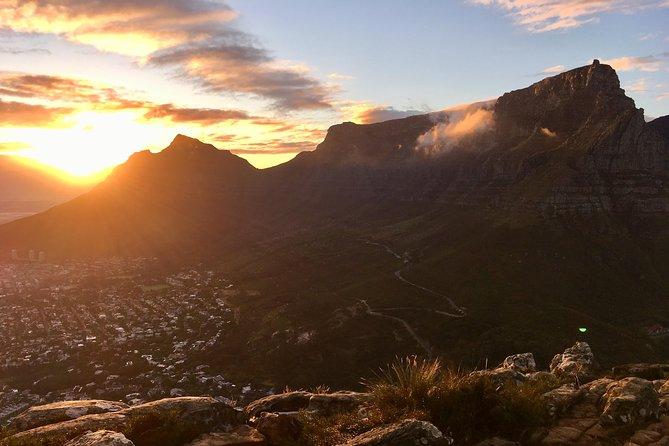 Cape Town - Hike Lion's Head at Sunrise!
