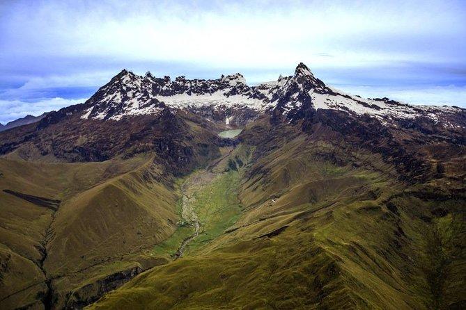 "Trekking: ""El Altar"" Volcano - Yellow Lagoon"