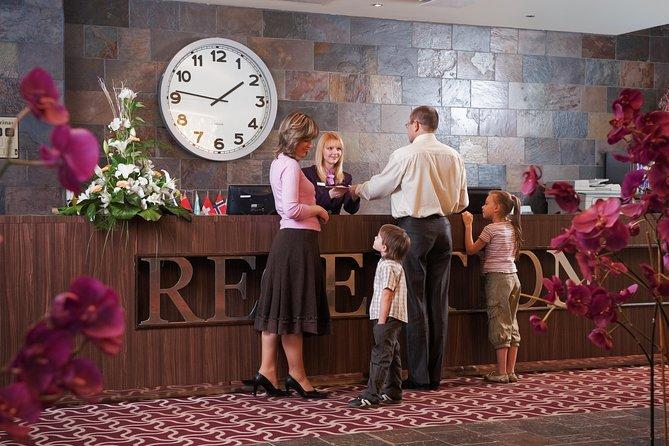 Buena Park Private Transfer To Anaheim Resort area.