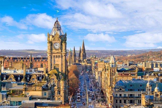 Edinburgh Airport Transfers : Edinburgh to Airport EDI in Business Car