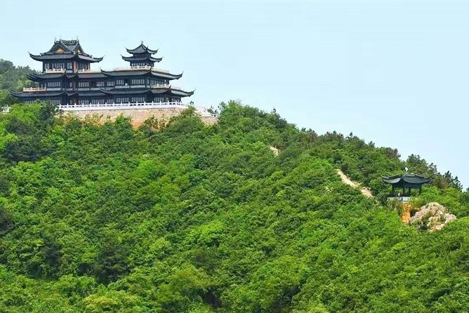 Private Tour to Hike on Qionglong Mountain with Vegetarian Noodles & Tea Tasting