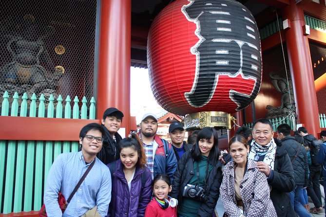 6-hour Tokyo tour with a qualified tour guide using public transport