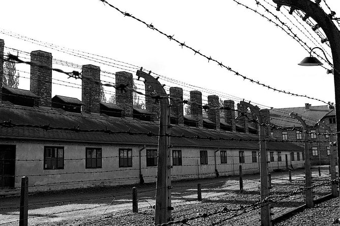 Private Transfer to Museum Auschwitz - Birkenau with 4h waiting time