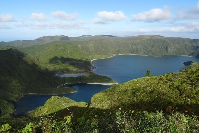 Lagoa do Fogo and Nordeste with lunch included. only 85 € passage per village
