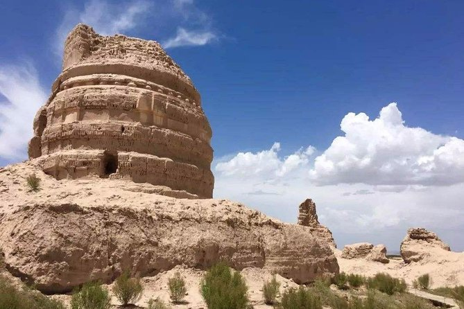 Dunhuang Private Round-trip Transfer to Yulin Grotto and Suoyangcheng Relic Site