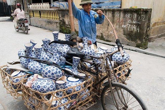 Private day tour - Bat Trang Ceramic village & Le Mat snake village from Hanoi