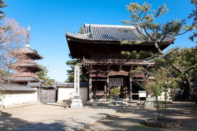 Experience of Monk's Life at National Treasure Kakurin-ji Temple