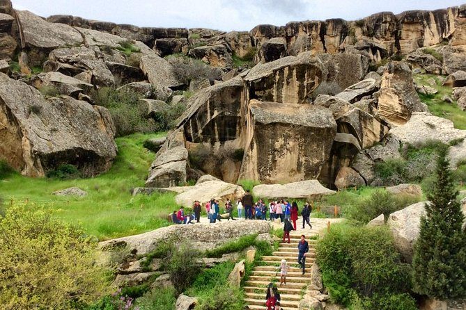 Affordable Gobustan & Mud volcanoesTour
