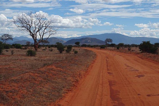 5 Days Safari Tsavo East Voyager Ziwani Amboseli Tsavo West Kilanguni Serena Ldg