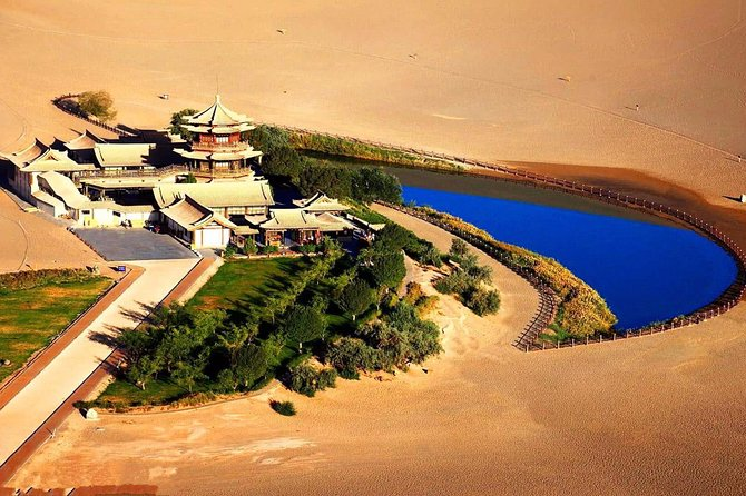 2-Day Private Customized Dunhuang Tour:Mogao Grottoes,Crescent Moon Pool andMore