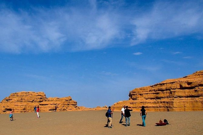 3-Day Private Customized Dunhuang Tour:Mogao Grottoes,Crescent Moon Pool andMore