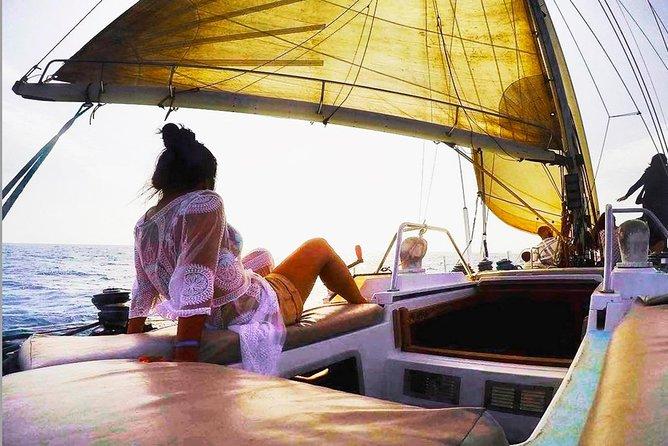 "Sal Island: Full-day Sailing Trip aboard ""White Time"""