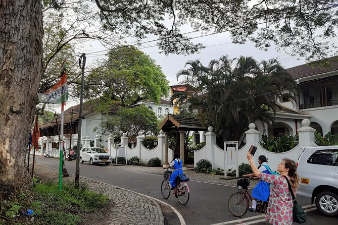 Walking Tour of Fort Kochi to Jewish Town