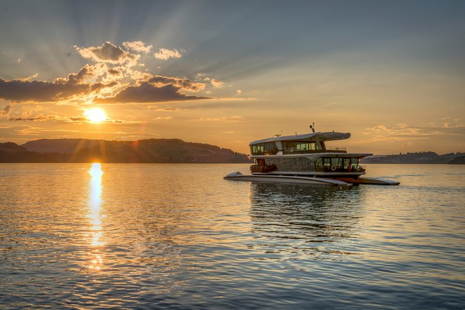 1-Hour Catamaran Cruise on Lake Lucerne