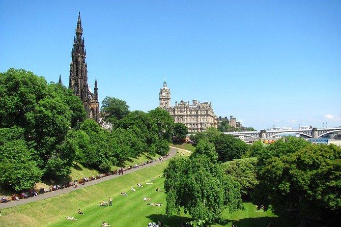 Semi-Private Edinburgh City Walking Tour with a Local Expert Guide