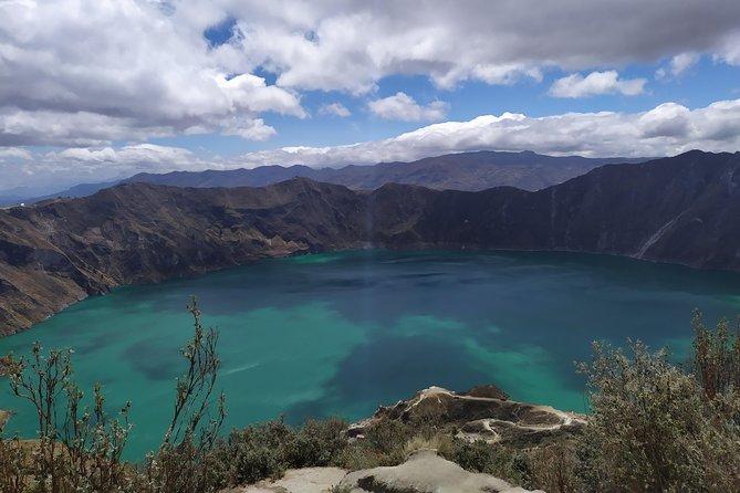QUILOTOA | The most beautiful volcanic lagoon in Ecuador.
