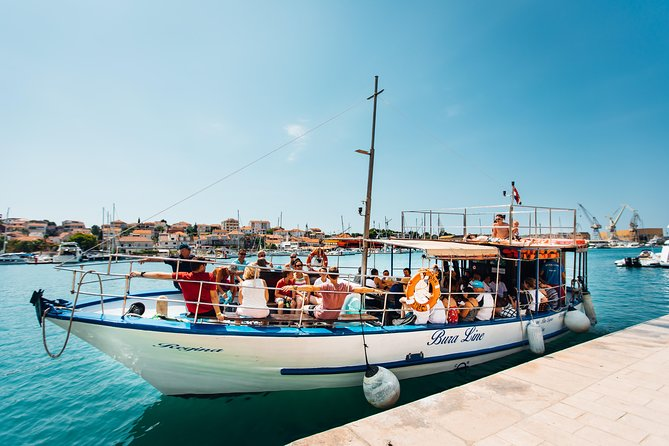 Slatine - Island Hopping Excursion (Trogir/Hidden bay(Lunch)/Blue Lagoon/Šolta)