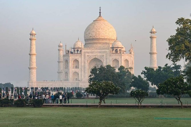 Sunrise Taj Mahal Tour from Delhi With Guide