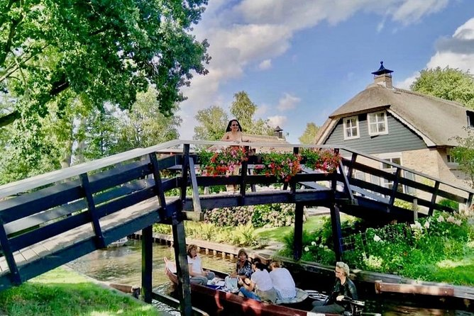 Giethoorn: Private Boat Tour   Incl. Pick-up Amsterdam or elsewhere