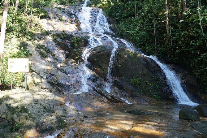 PRIVATE TOUR: WATERFALLS & Batu Caves visit in half-a-day!