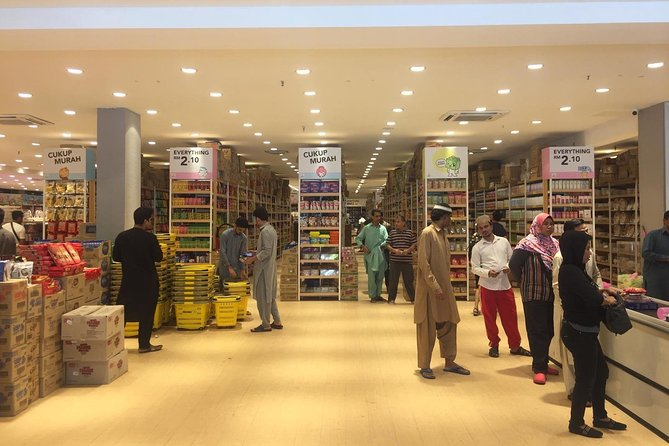 PRIVATE TOUR: TWO-RINGGIT STORES shopping!