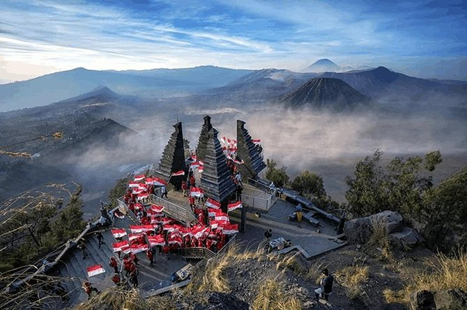 Bromo Sightseeing Tour (departing Morning or Night)