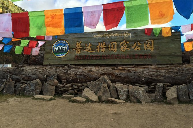 1-Day Shangri-La Private Tour: Potatso National Park and Baiji Temple