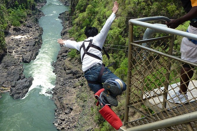 Bungee 111M (Solo Jump) Victoria Falls Bridge