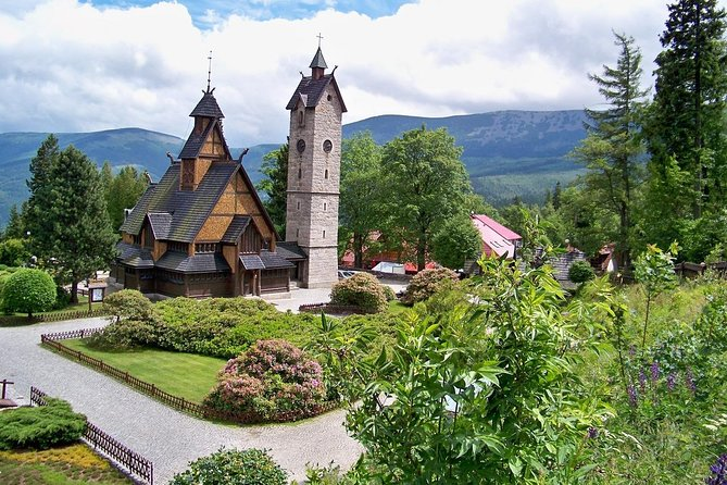 Wroclaw: 1-Day Giant Mountains, Karpacz & Palaces Valley Private Tour