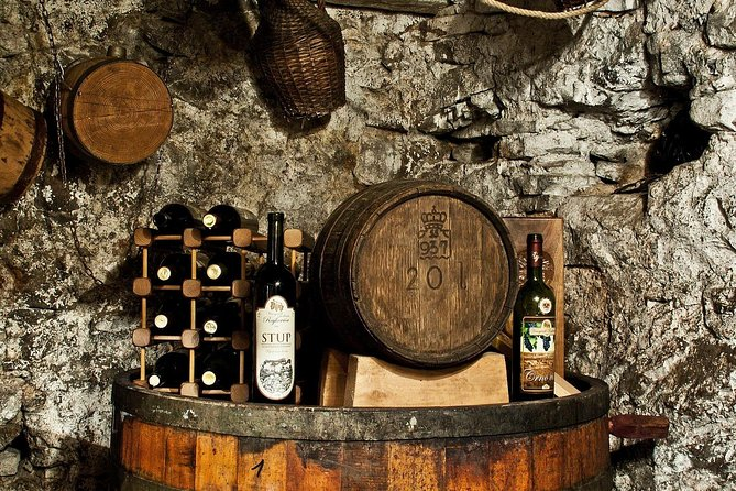 Traditional and Modern Mixed Wine Tour