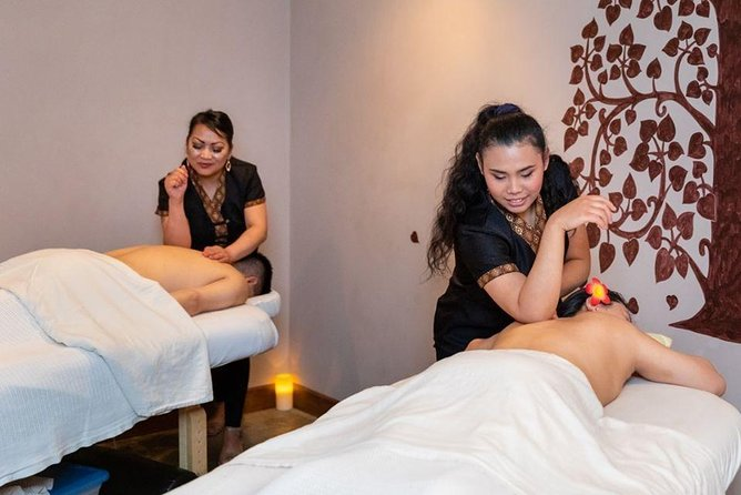 1-Hour Private Full-Body Couples Massage in Boston