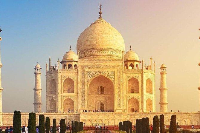 Private Sunrise Taj Mahal and Agra Fort Tour from Delhi by Car (English Guide)