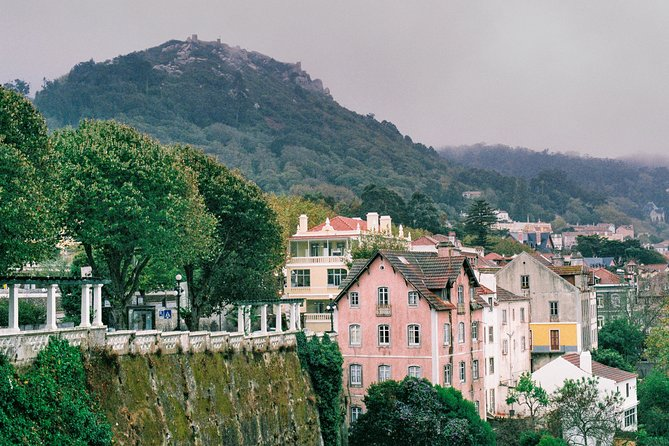 Tour Cascais and Sintra with traditional lunch included