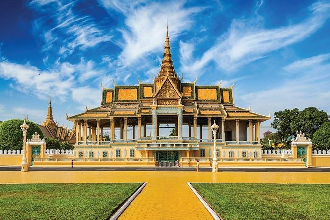 Small Phnom Penh City Tour