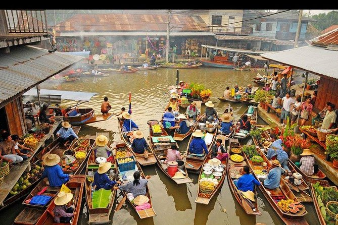 Amphawa Floating Market and street food tour. Bangkok, Samut Songkhram