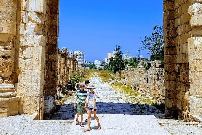 Small-Group Tour with Lunch to Sidon, Tyre & Maghdouche