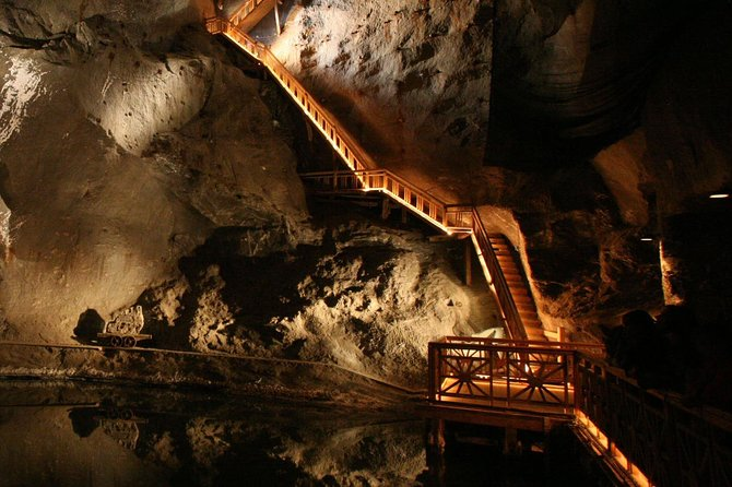 Private Transfer to Wieliczka Salt Mine with 3h waiting time