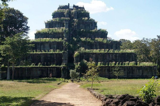 Koh Ker group and Beng Mealea Adventure