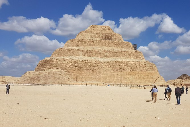 Full Day Tour Of Giza Pyramids, Memphis and Sakara