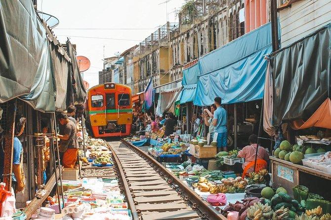 Private Damnoen Saduak Floating Market & Maeklong Railway Market Day Tour