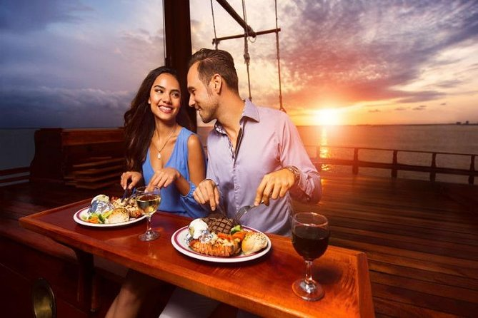 Cancun Lagoon Sunset Sailing Trip aboard classic Galeón with Dinner and Free bar